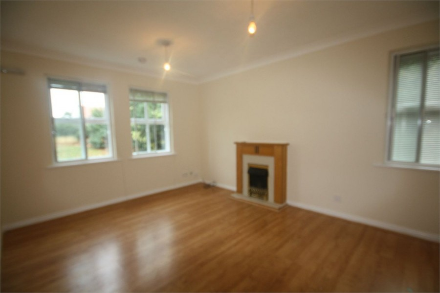 Images for Hurworth Avenue, Slough, Berkshire EAID:1107654930 BID:8325408