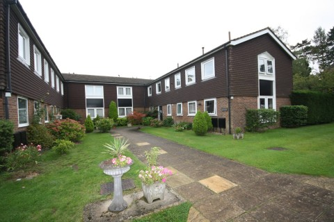 View Full Details for Larchmoor, Farnham Common - EAID:1107654930, BID:8325408